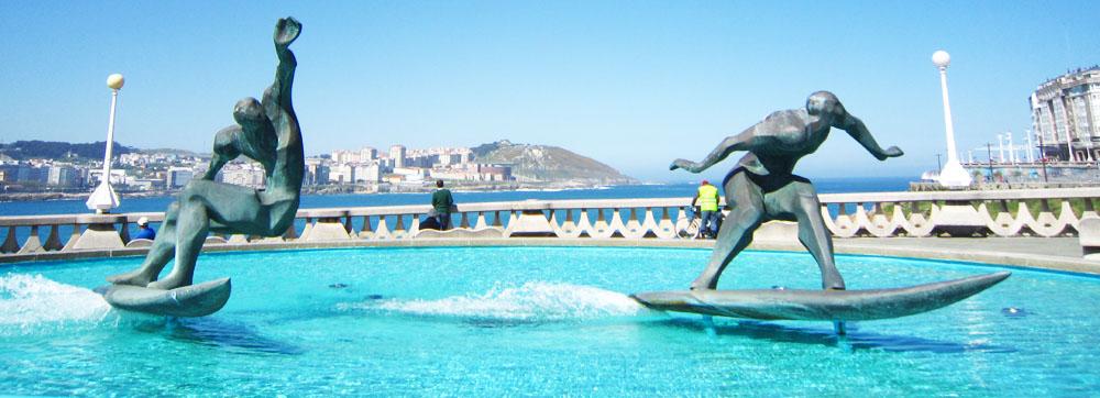 Fuente de los surfistas por Rutas Coruña